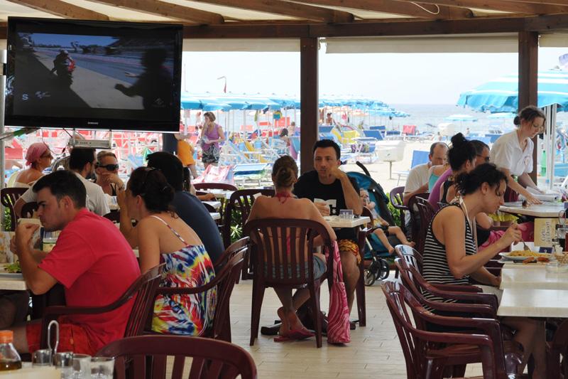 Il ristorante sul mare hotel pineta mare hotel a lido di camaiore - Bagno sole lido di camaiore ...
