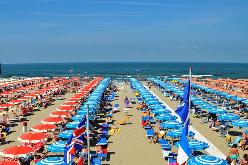 La spiaggia bagno sole lido di camaiore - Bagno onda lido di camaiore ...